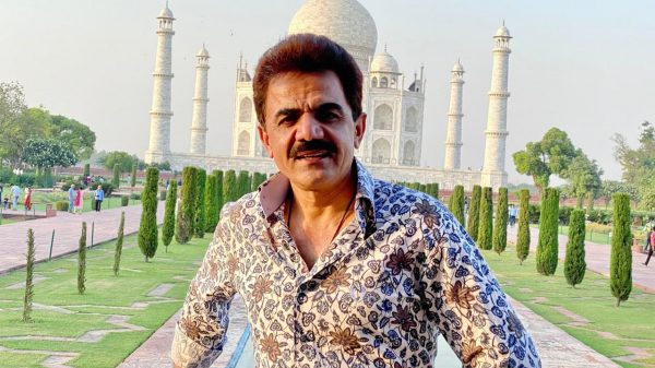 Ashok Beniwal is in love with Tajmahal