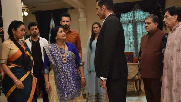 Vanraj faces the family's wrath
