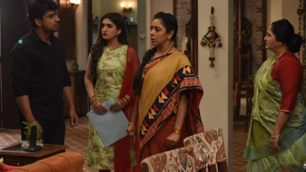Pakhi chooses Vanraj over Anupamaa