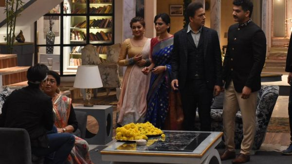 Kartik hides meeting Naira's lookalike