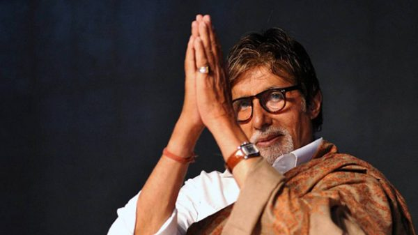 Amitabh Bachchan is back home after Lasik