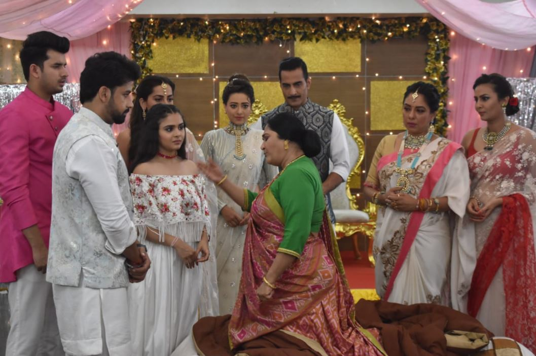 Baa finds out Nandini's truth