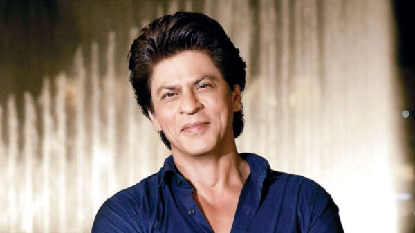 Shah Rukh Khan in a hilarious Twitter discussion with fans | says he is in 'rebuilding' phase