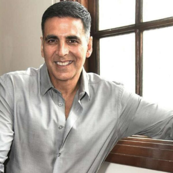 Akshay Kumar calls out fake news | Asks About Starting His Own Fake News Busting Bussiness