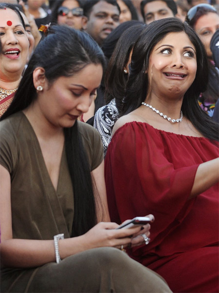 AWKWARD pictures of Celebs that will make you go ROFL