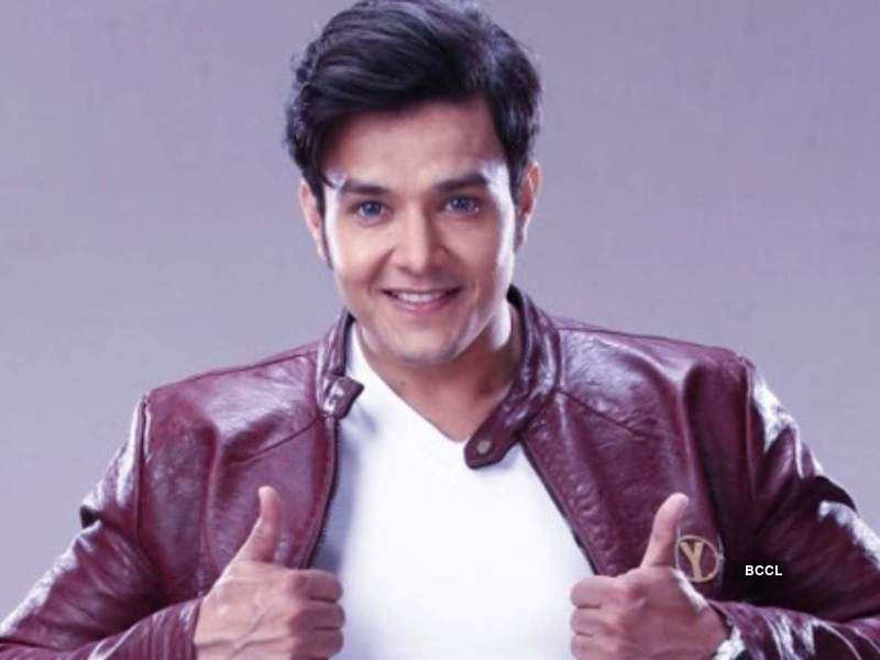 Aniruddh Dave is all excited to face the camera again; Deets Inside