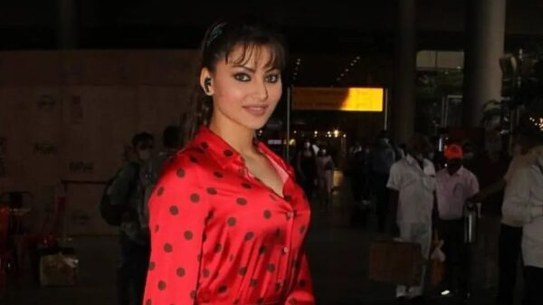 Urvashi Rautela Is Giving Us Some Major Mumbai Airport Look Inspiration; Check out the diva's fashionable look