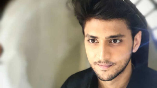 Renowned Actor Kinshuk Vaidya Turns Host; Here's what the actor has to say about his role