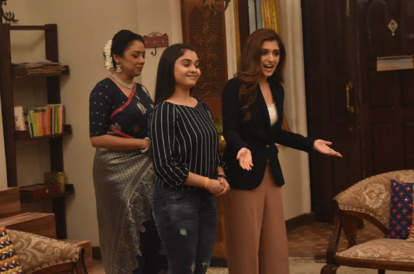 Anupamaa gets ready for her college reunion